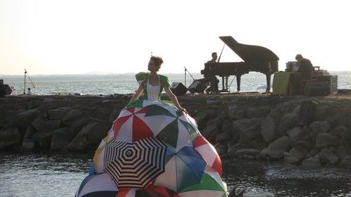 De Drijvende Diva (The Floating Diva) @ Music for Sunset 2011 , Lago Trasimeno, Italia