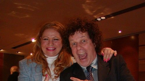 With singing sensation Leo Sayer and The Magical Scarecrows Stars with Hearts International Celebrity T-Shirt relay