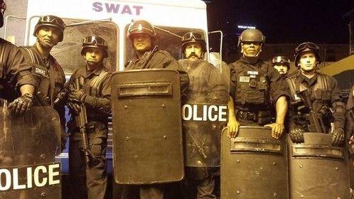 https://www.facebook.com/pages/Cop-Shop-LA-Cops-Cop-Cars-On-Your-Set-Now/190743427630782
