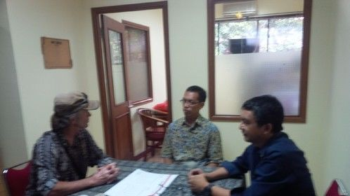 Meeting with archaeologist Ali Akbar at University of Indonesia