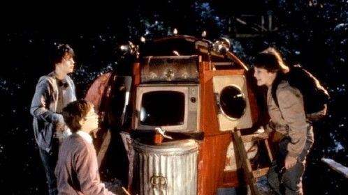 Explorers (1985)  Dir: Joe Dante Stars: Ethan Hawke, River Phoenix, Bobby Fite, Bradley Gregg  A boy obsessed with 50s Sci-Fi movies about aliens has a recurring dream about a blueprint of some kind, which he draws to his inventor friend. With the help of a third kid, they follow it and build themselves a spaceship.  Watch movie for free: http://www.primewire.ag/watch-5391-Explorers-online-free