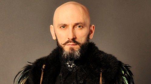 Cela Yildiz as Baron von Lowenherz