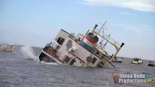 """""""Lady Luck"""" artificial reef sinking"""