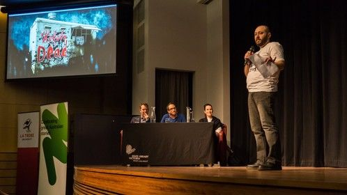 On stage pitching at Melbourne Webfest 2018