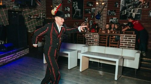 Tap dance in Moscow pub