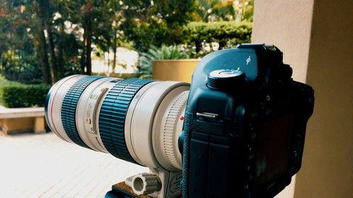 Canon 5D MKII + 70-200mm f/2.8. No filter. Velbon tripod.