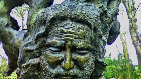 Sculpture of Jerry Garcia at McMenamin's Edgefield St. Patrick's Day