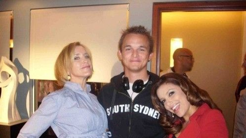 Jason Trembath, Eva Longoria and Felicity Huffman on the set of 'Desperate Housewives'