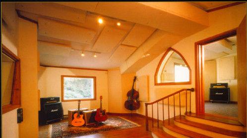 Studio Unicorn B Room