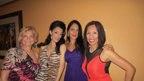 With my lovely friends : Kalpana Pandit (Bollywood star), Gigi Burton (talented chanteuse in Tucson, AZ) and Gail Palmer.