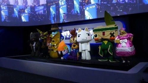 E3 2013 Playstation Mascot photo setup