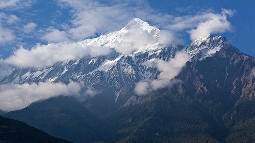 Nilgiri Mountain (23,166 ft) in Middle Mustang, Nepal