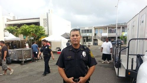 Hawaii five - 0 as police officer