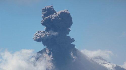 Tungurahua volcano in action