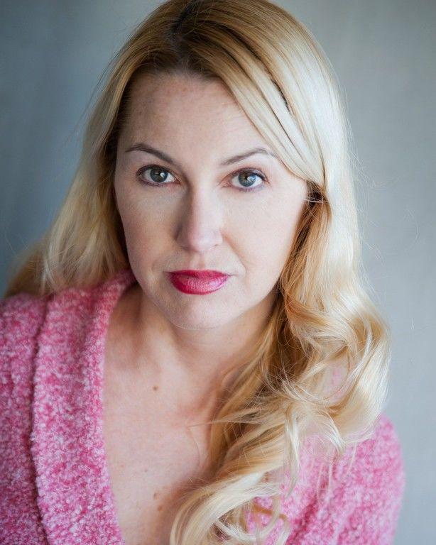 Erin Hunter Actor In Wilmington North Carolina Stage 32