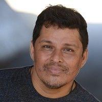 Daniel G Garza