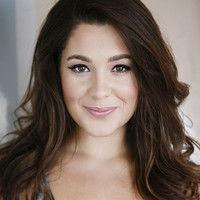 Arianna Lyons