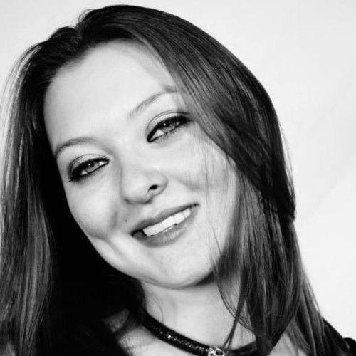 Toni Che R. Zubia-Harkness