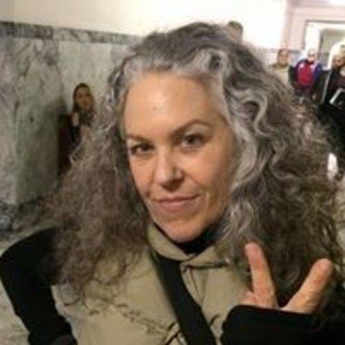 Lisa B Hammond