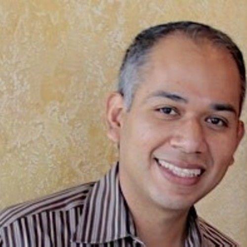 Arturo Ru