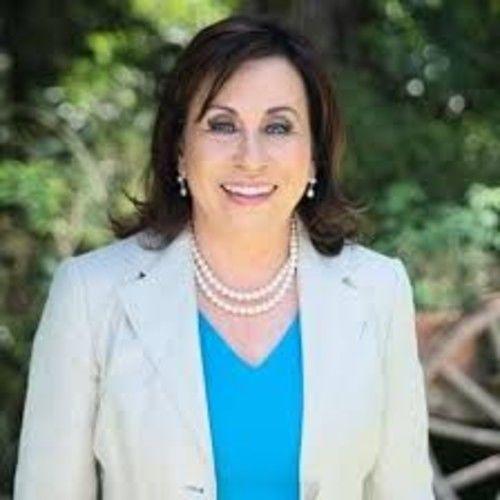 Sandra Torres3