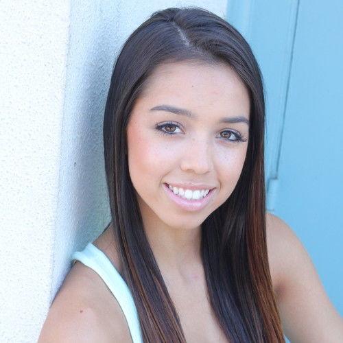 Chloe Tucker