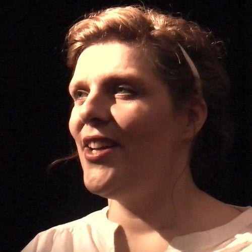 Angela Van Leeuwen