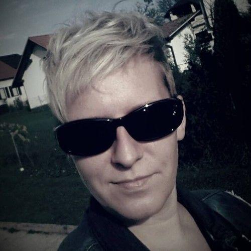 Alenka Gomivnik