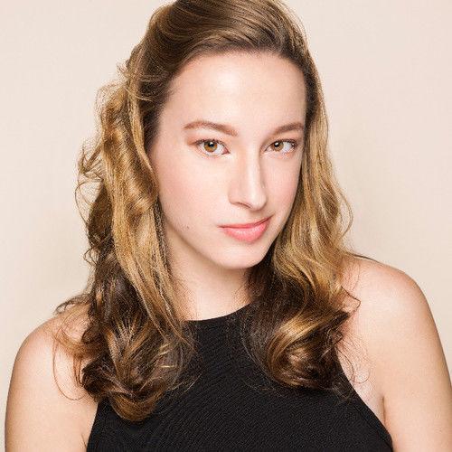 Taylor Leigh Costanzo