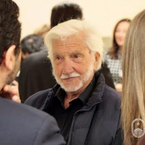 Juan J Ravaioli