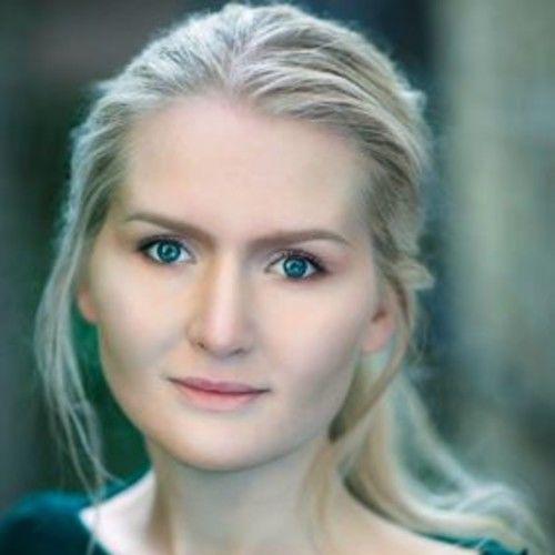 Annika Álofti