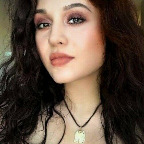 Shanaya Fastje (20)