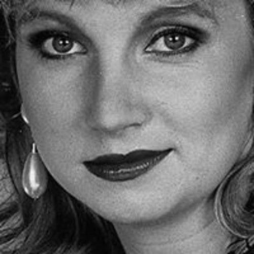 Christi Annie Hart