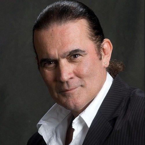 Carlos Etzio Roman