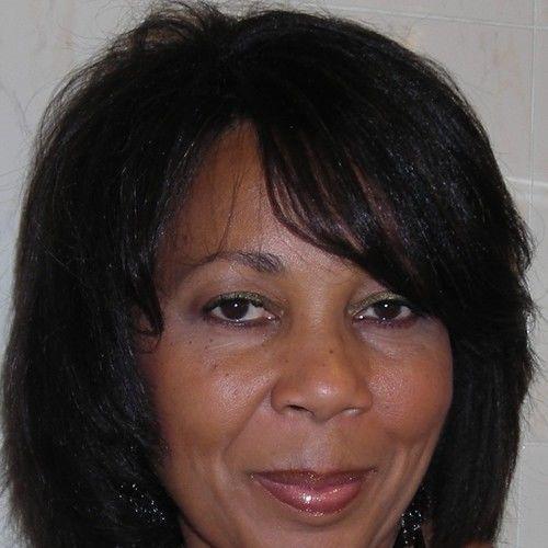Gwendolyn R Richardson