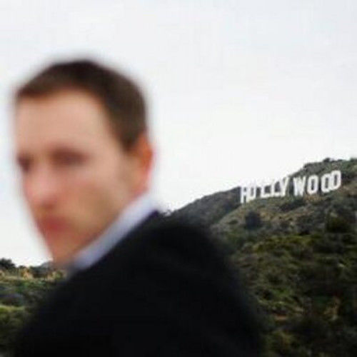 6 page comedy script writer needed
