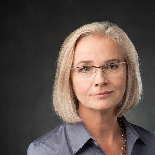 Lisa Paxton