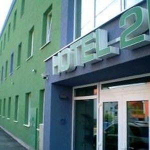 HOTEL 21 (Aida's Story)