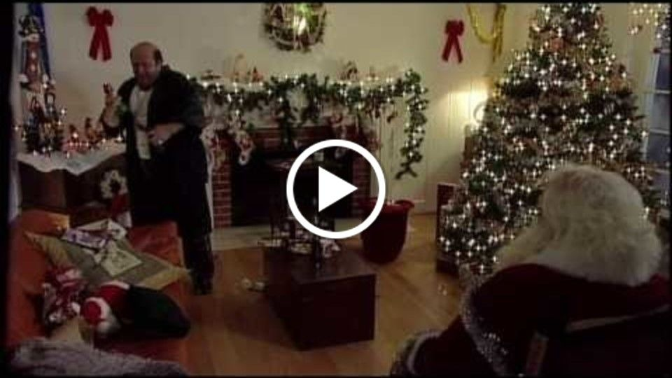 A Family X-mas    (in HD) -- Directed by Warren Eig
