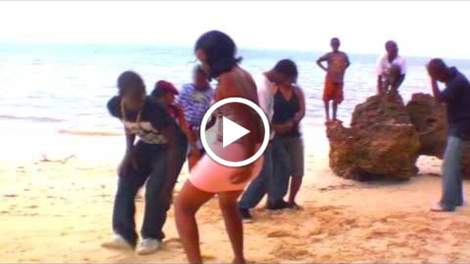 Hot, wild n sexy on the beach in Africa !
