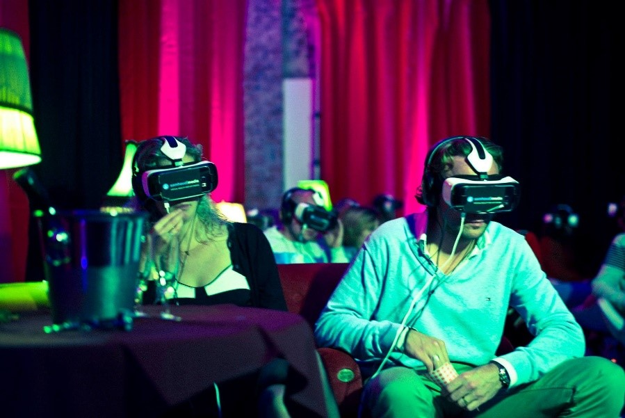 VR for the actor Getting the best of both film and theatre