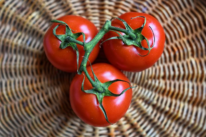How a Tomato Can Help You Meet Your Writing  Filmmaking Deadlines